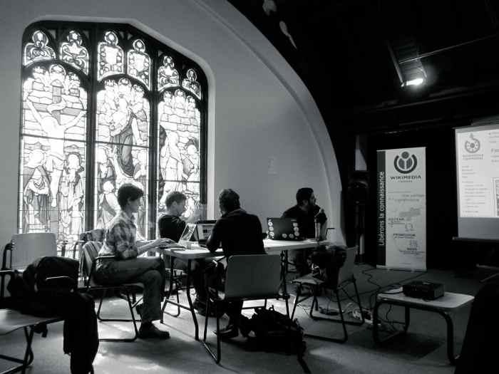 Un atelier Wikipédia à la bibliothèque Mordecai-Richler en collaboration avec Mémoire du Mile End.